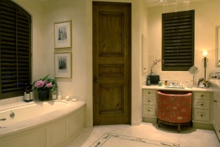 http://www.iglrecycledtimbers.com/use_images/doors1.jpg